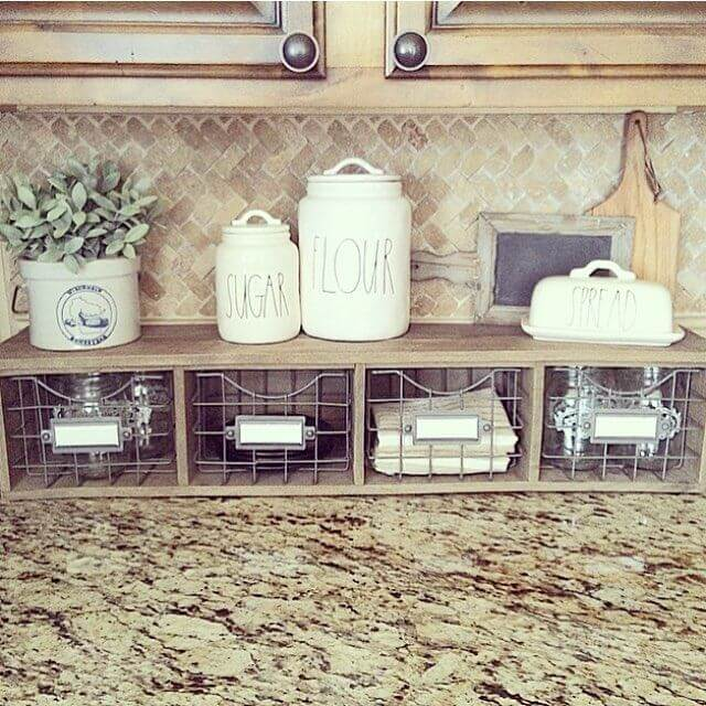 38 best farmhouse kitchen decor and design ideas for 2017 for How to decorate a kitchen counter