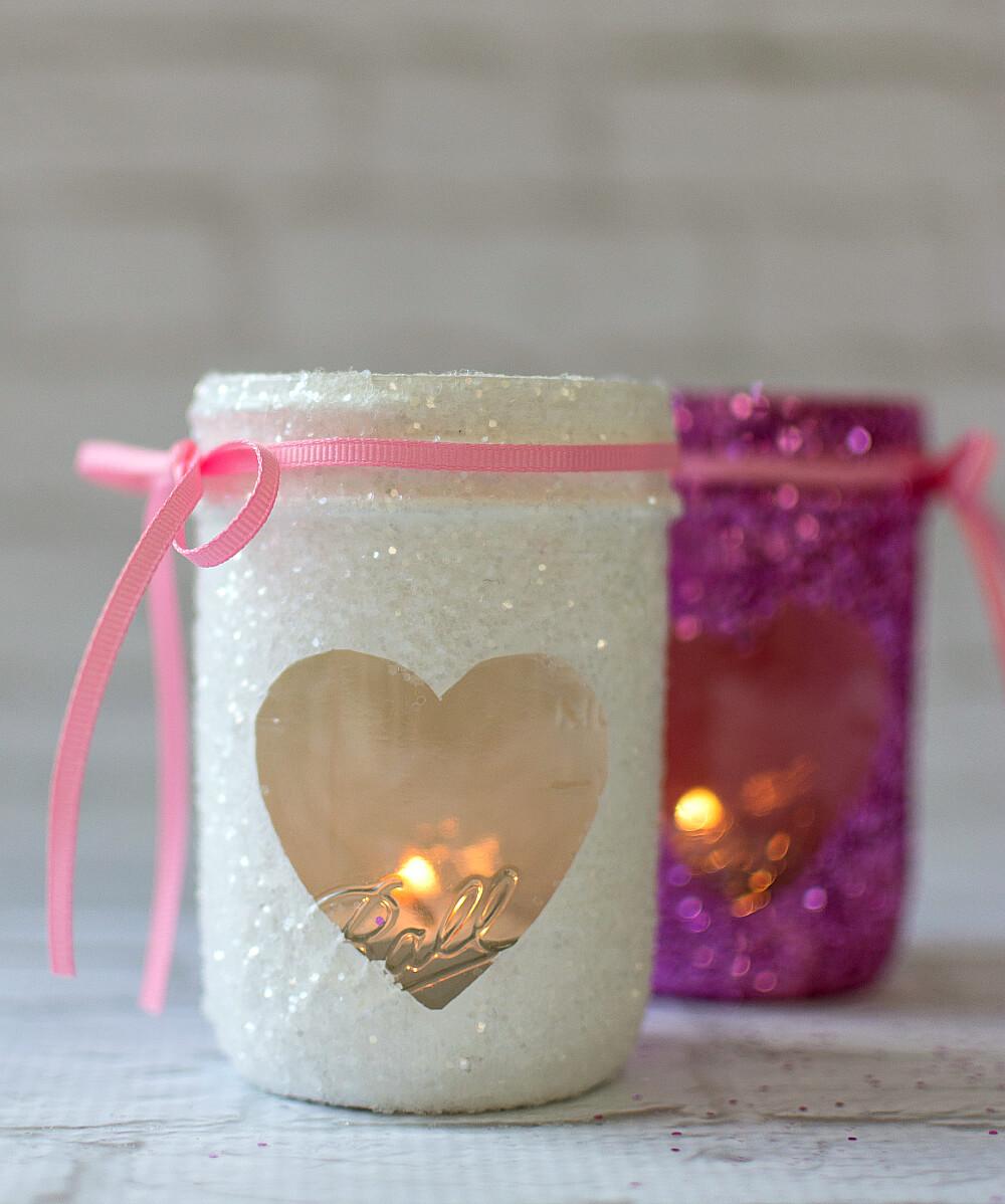 Glittery Mason Jar Valentine's Day Décor