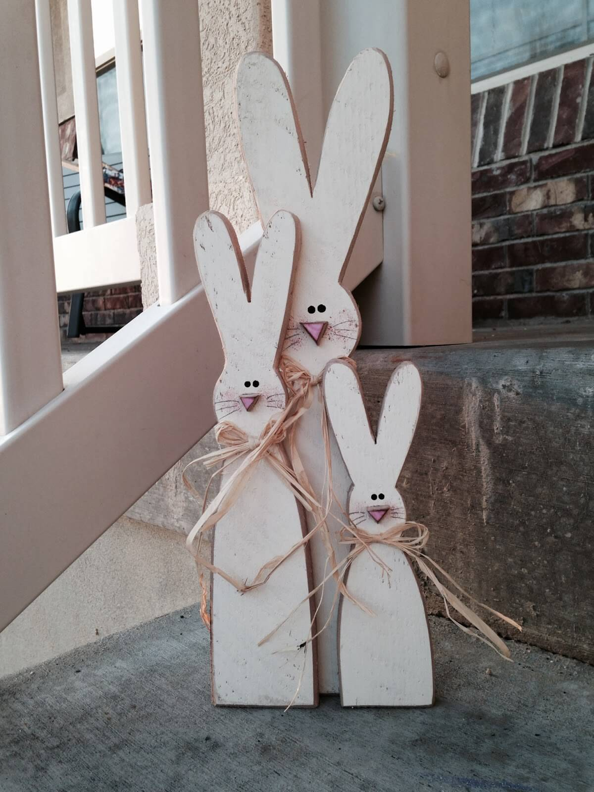 Rustic Wooden Bunny Family Decoration