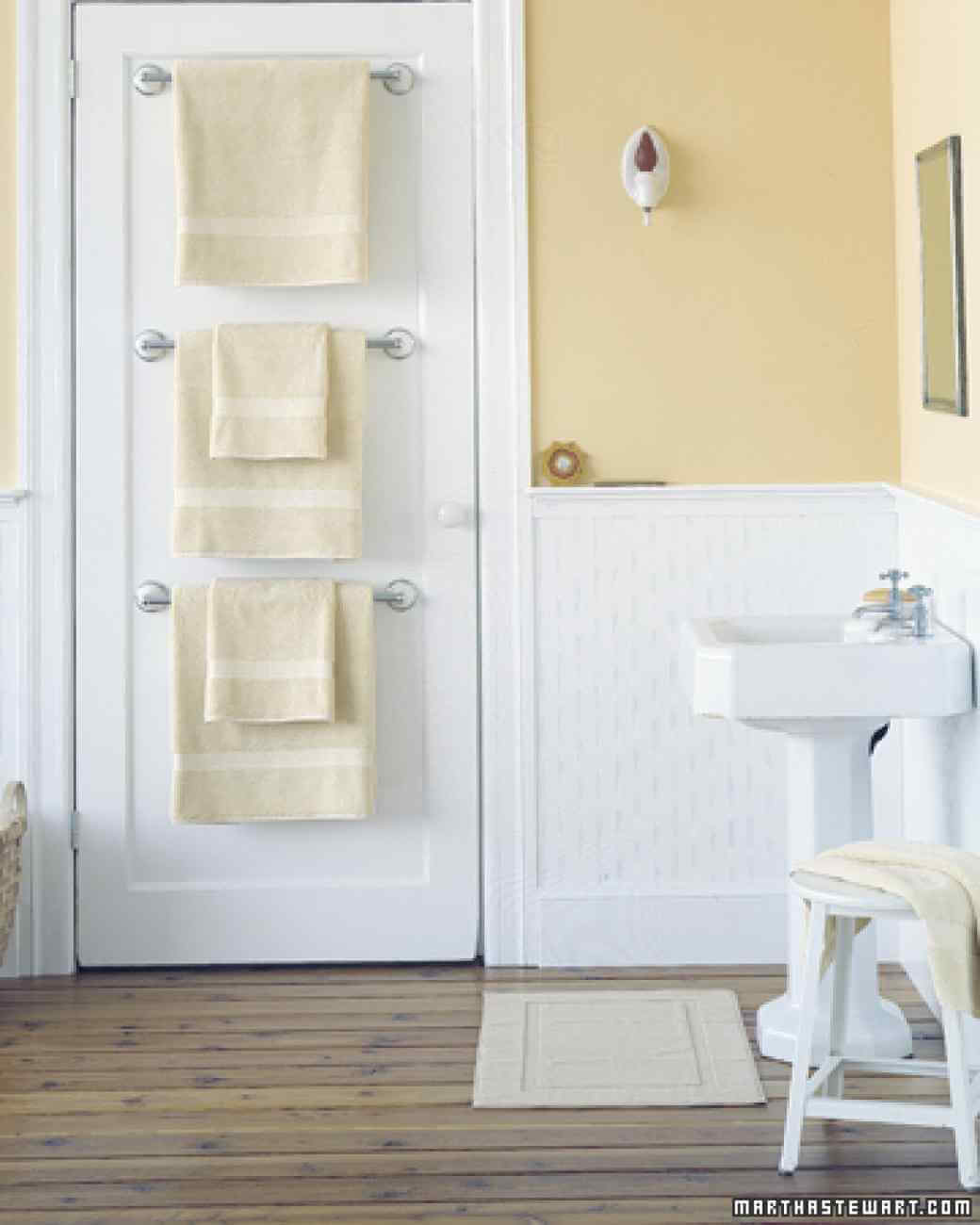Storage Ideas For Small Bathrooms. 4 An Example Of Vertical Space