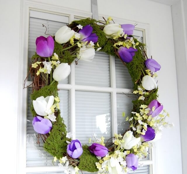 Lovely Moss and Tulip Wreath
