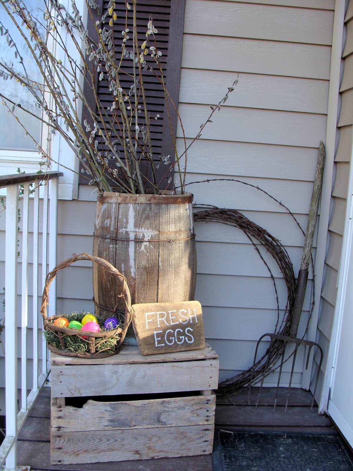 Easy Barrel and Easter Basket Porch Decor