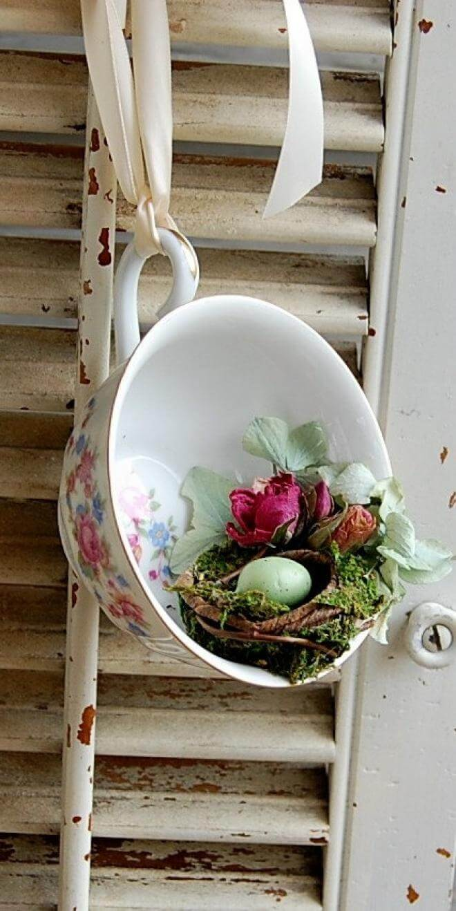 Delicate Teacup Bird's Nest Display