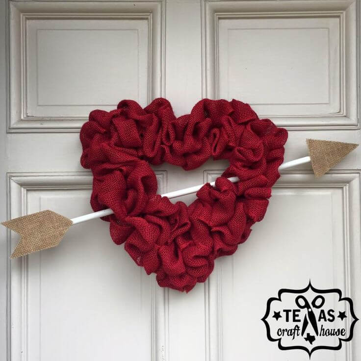 Cupid's Heart Wreath in Scrunchy Red Burlap