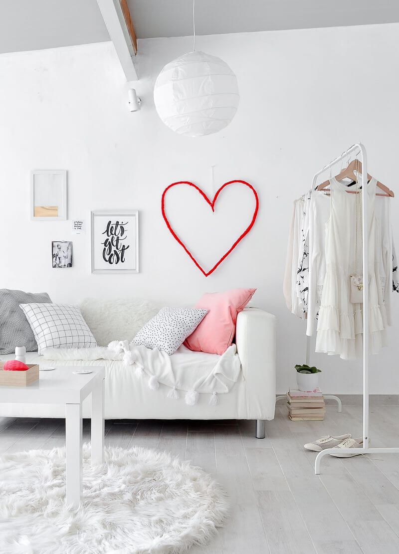 Minimalist Hanging Heart Outline in Lipstick Red