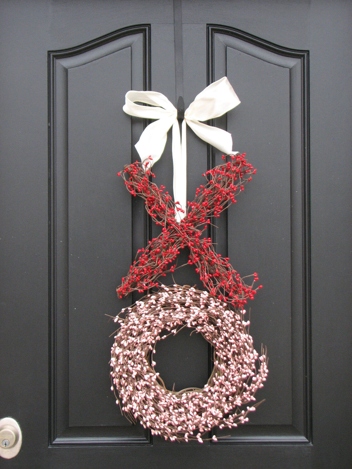 "Simple Red and White Sprigs ""XO"" Wreath"