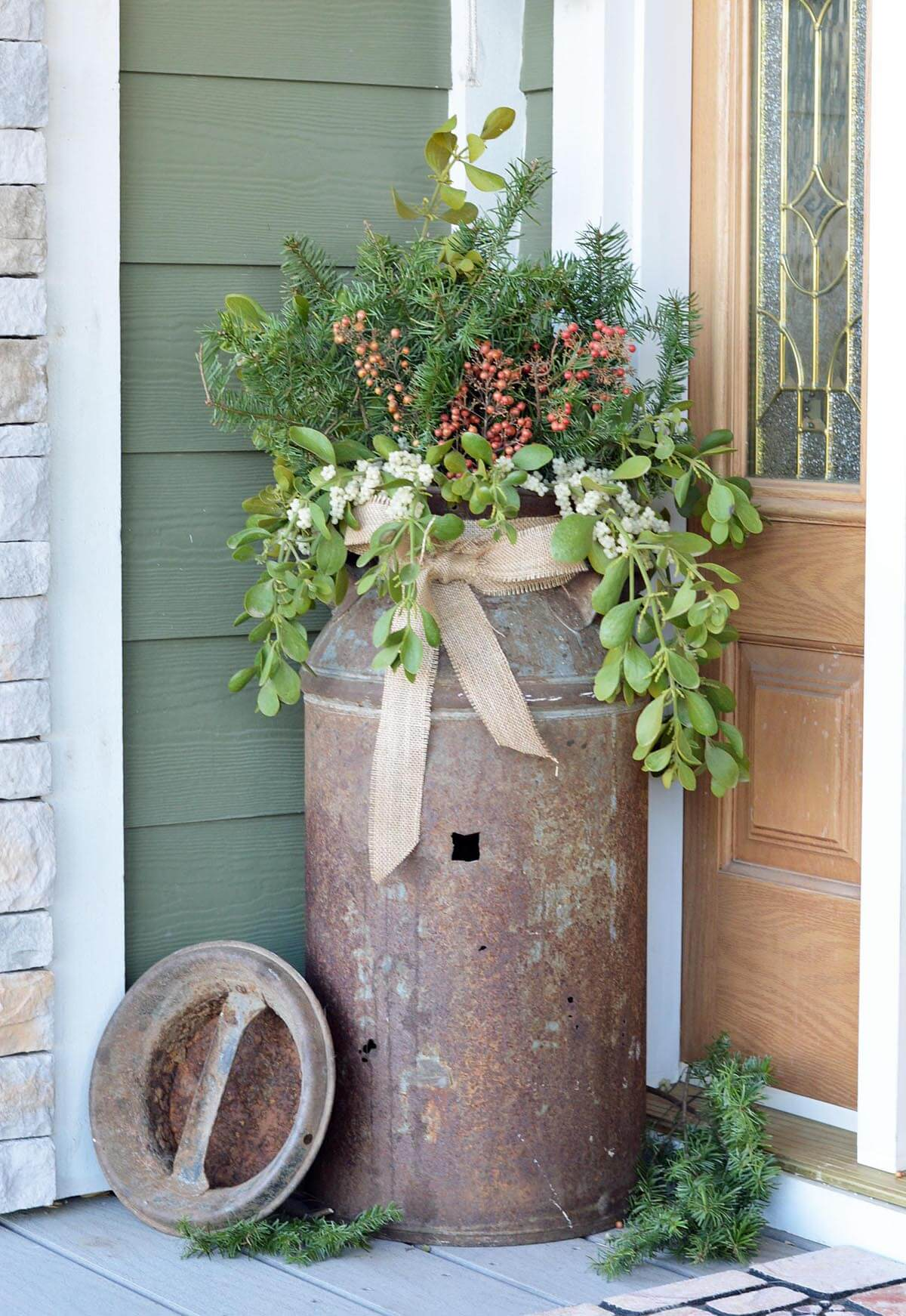 29 best front door flower pots ideas and designs for 2017 for Rustic outdoor decorating