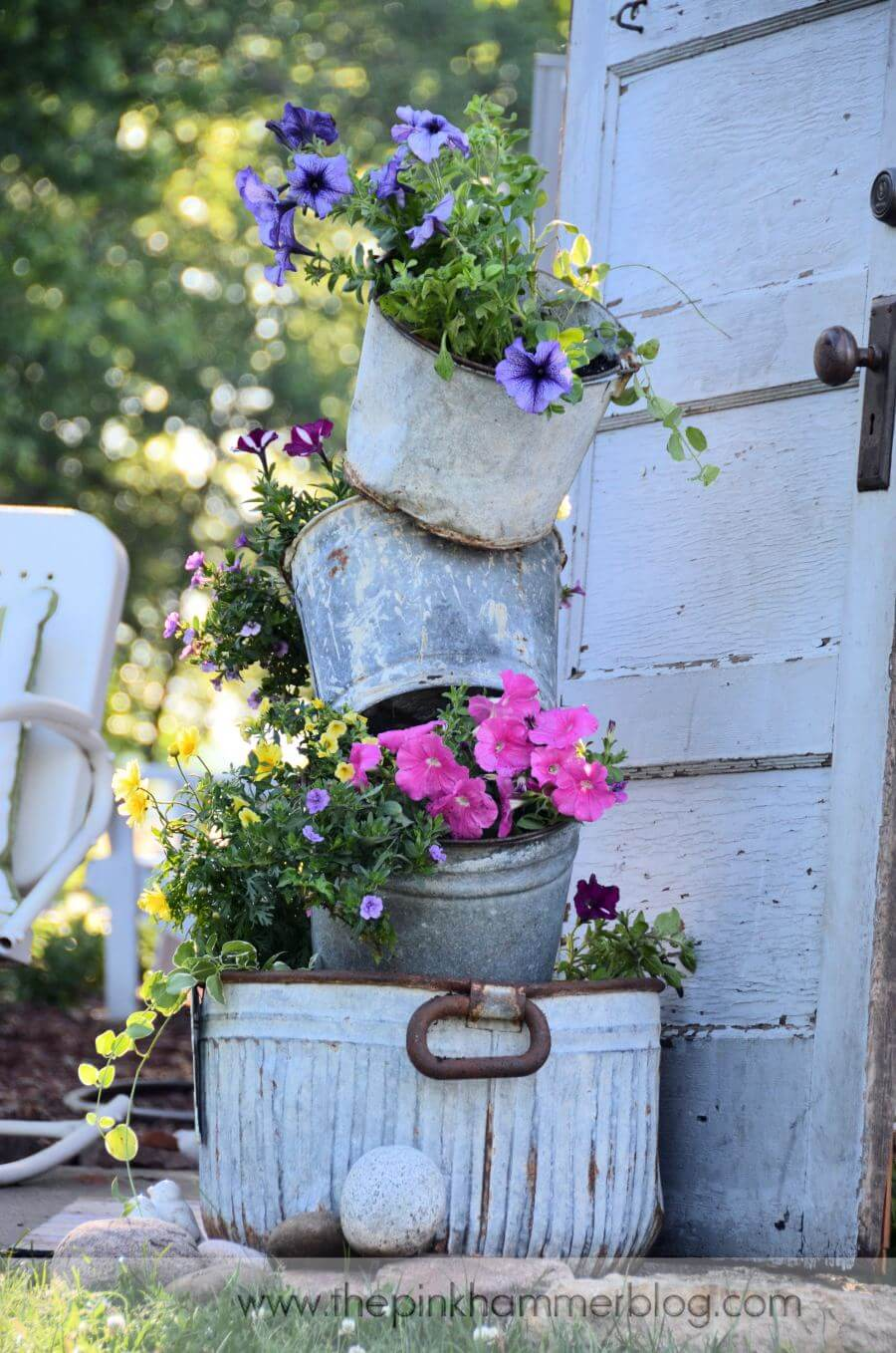 34 Best Vintage Garden Decor Ideas and Designs for 2017 on Patio Decor Ideas id=75890