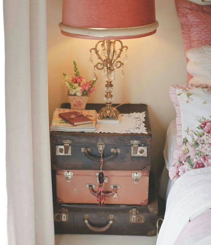 35 best shabby chic bedroom design and decor ideas for 2017 Night table ideas