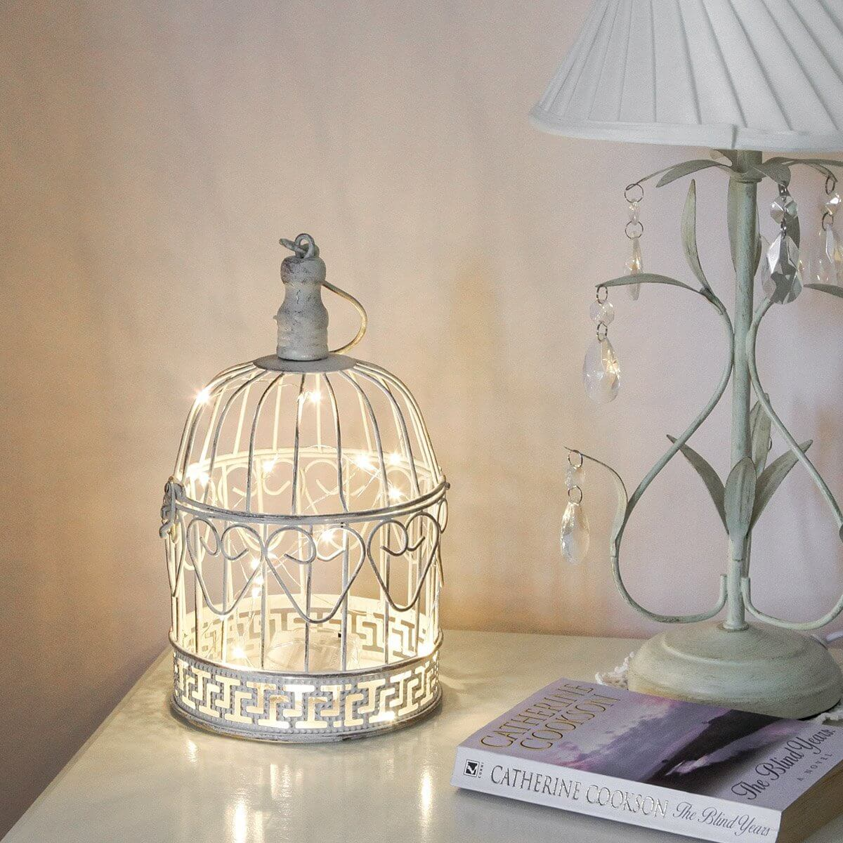 Bird cage decor bedroom images for Lampe style shabby chic