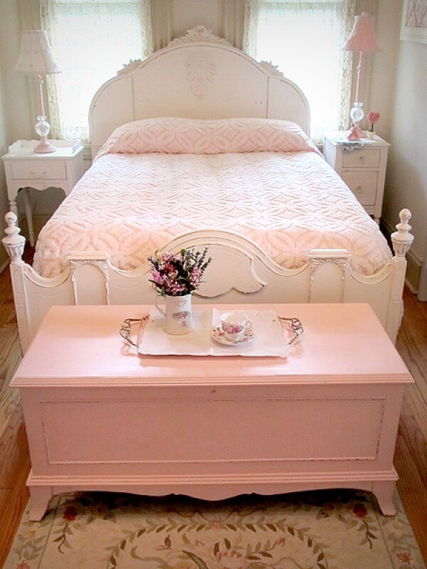 Shabby Chic Pink Hope Chest. 35 Best Shabby Chic Bedroom Design and Decor Ideas for 2017