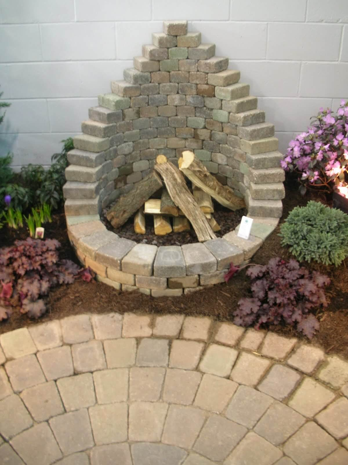diy round firepit with back - Firepit Ideas