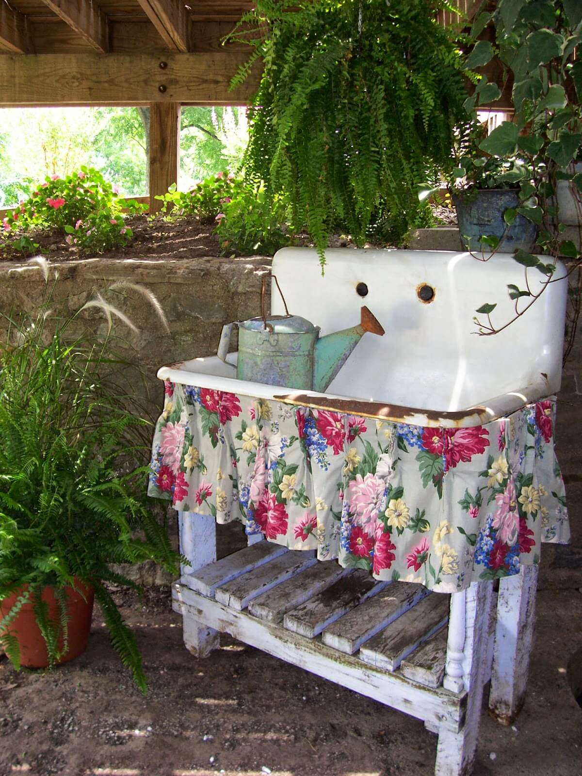 9 Best Vintage Garden Decor Ideas and Designs for 9