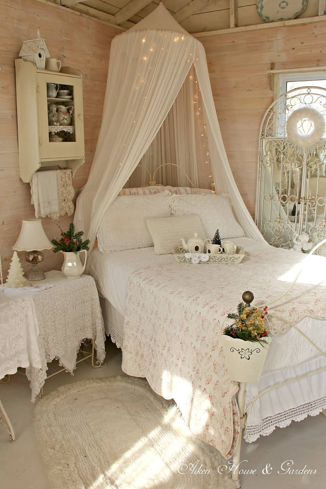 35 best shabby chic bedroom design and decor ideas for 2019 - Little girls shabby chic bedroom ...