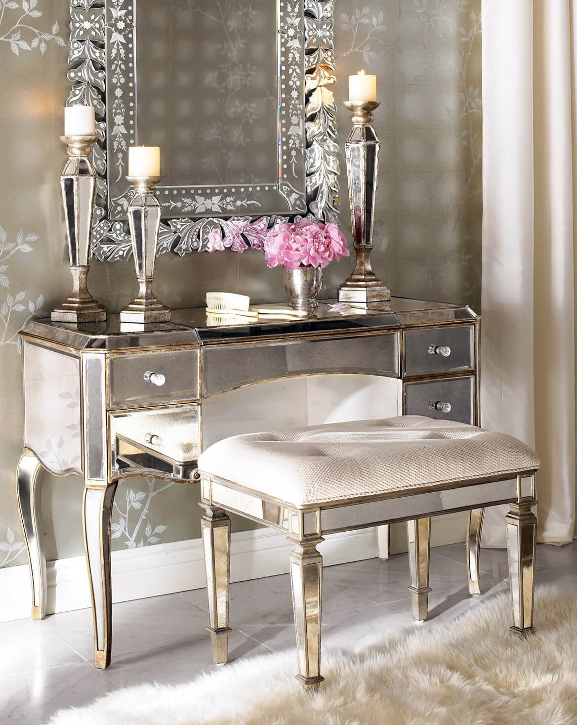 15 Stunning Makeup Vanity Decor Ideas  Style Motivation. Backyard Garden Plants Ideas. Kitchen Wall Quotes Canada. Kitchen Ideas For Mobile Home Remodel. Bathroom Shower Glass Tile Ideas. Backyard Landscape Ideas For Families. Kitchen Design Barnes London. Brunch Ideas Drinks. Tuscan Style Kitchen Backsplash Ideas