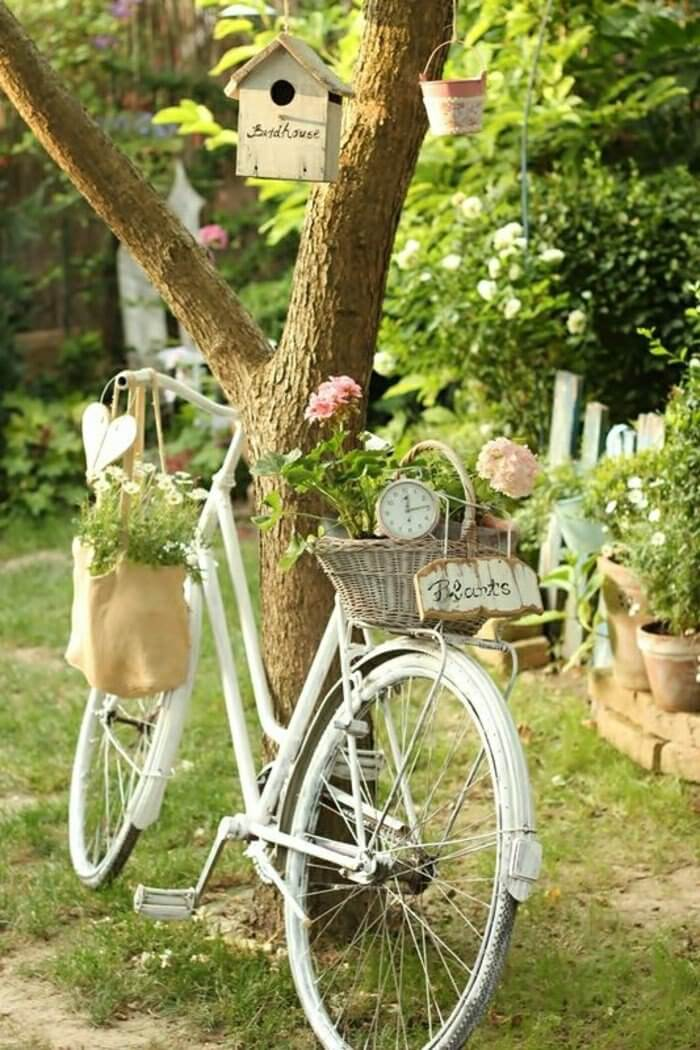 vintage garden dcor with flowers - Garden Ideas Vintage