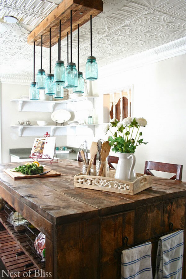 17 charming farmhouse dining room design and decor ideas for Farmhouse style kitchen lighting