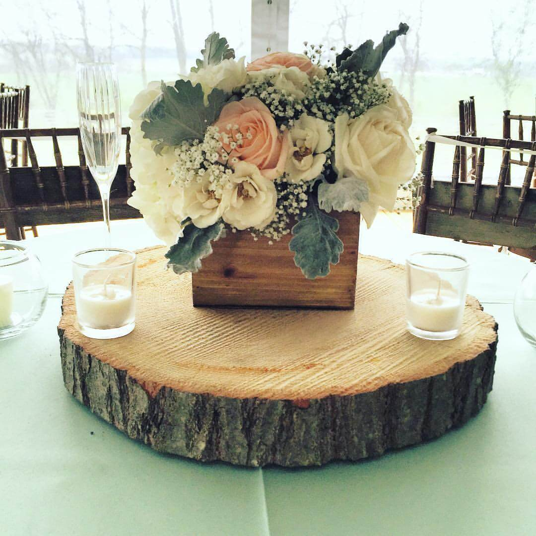 25 best rustic wooden box centerpiece ideas and designs for Centerpieces for wood dining table