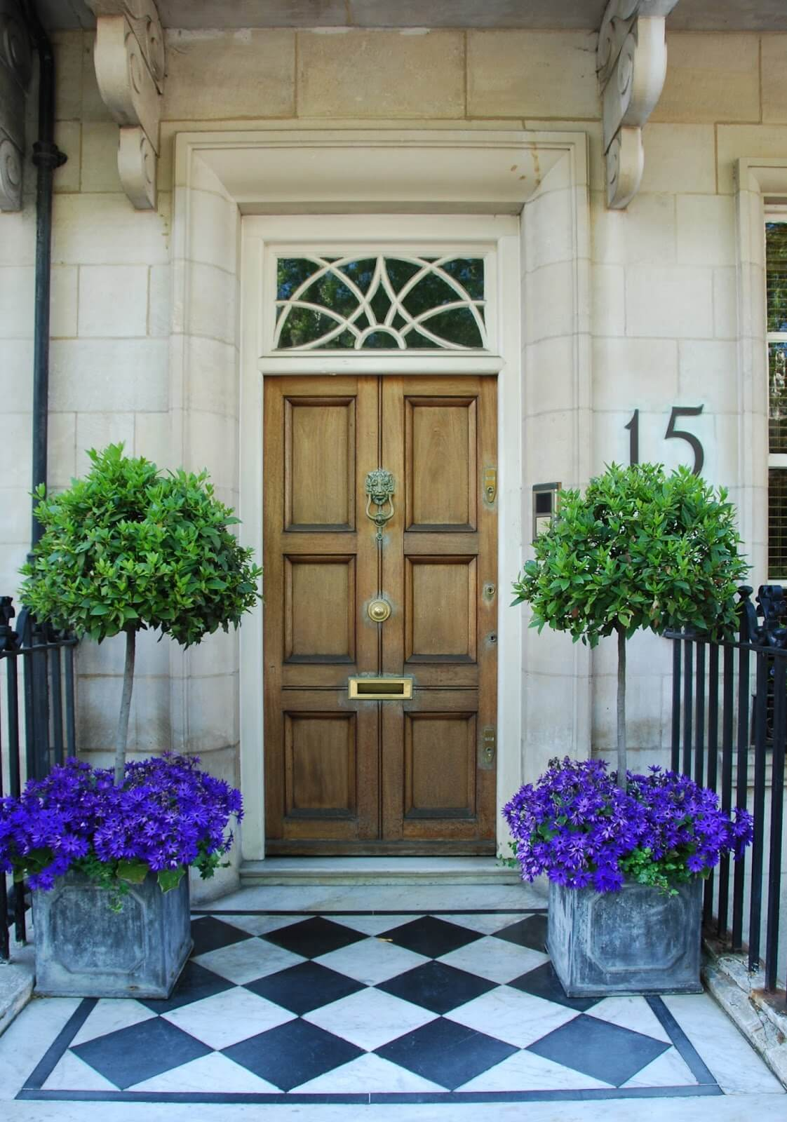 29 Best Front Door Flower Pots Ideas And Designs For 2018
