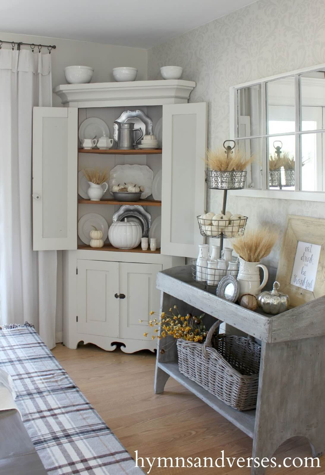 A Clean, Old Fashioned Look With Rustic Decor