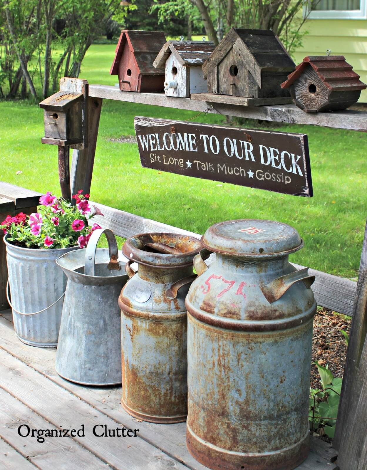 34 best vintage garden decor ideas and designs for 2017 for Rustic outdoor decorating