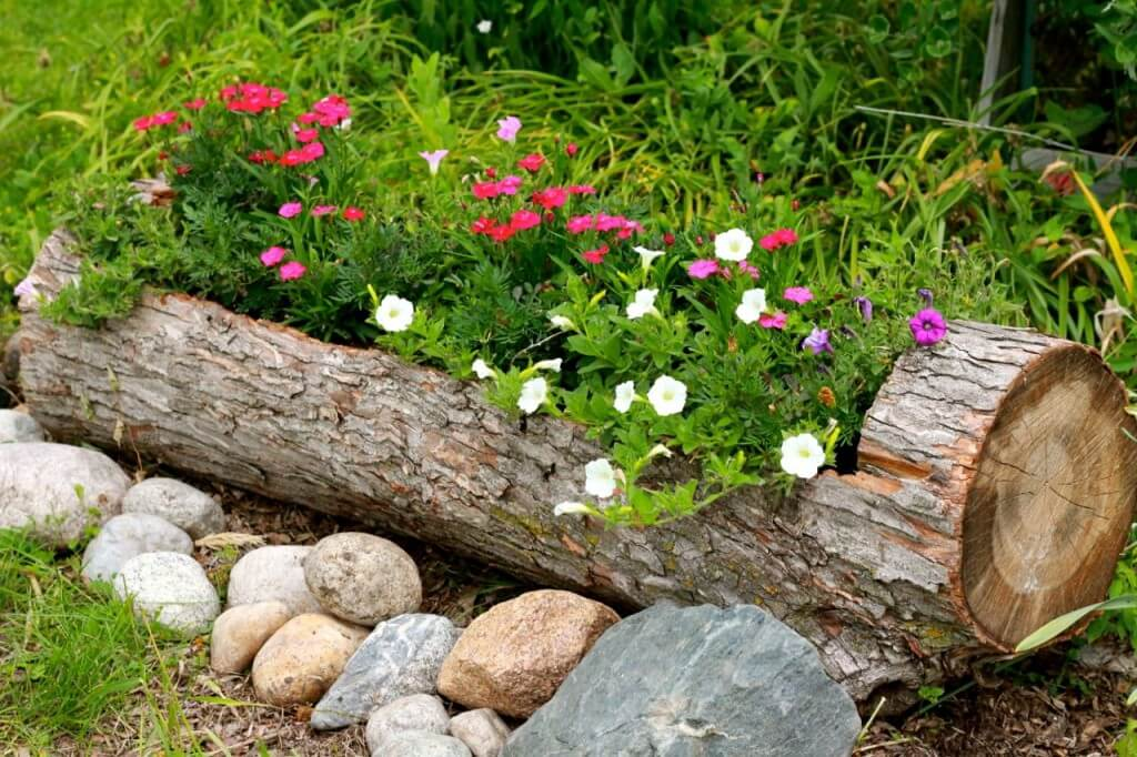 Perfect DIY Rustic Log Flower Container