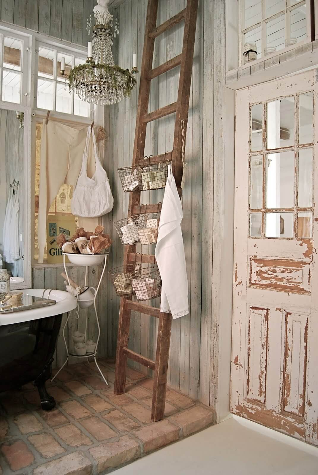 Charmant Wood Ladder Basket Bathroom Storage
