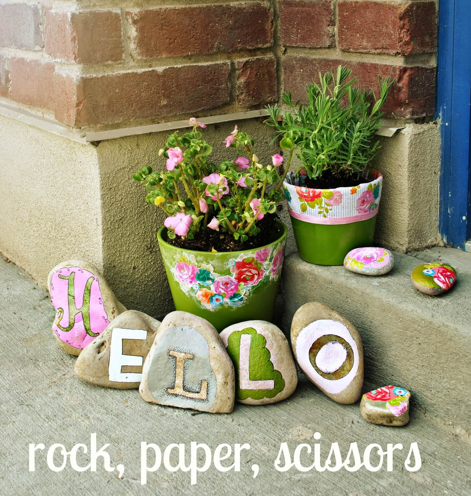 23 best diy garden ideas and designs with rocks for 2017 for Homemade garden decorations