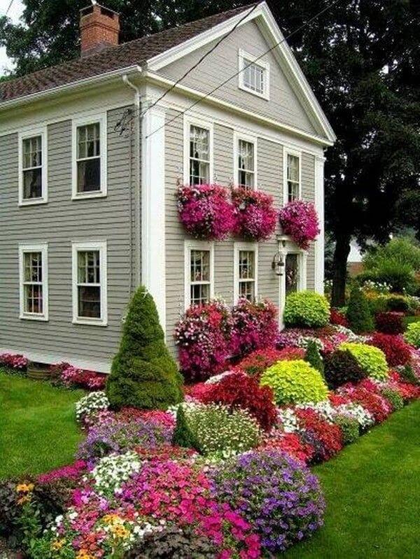 5. Multi Season Flowerbed With Annuals And Evergreens