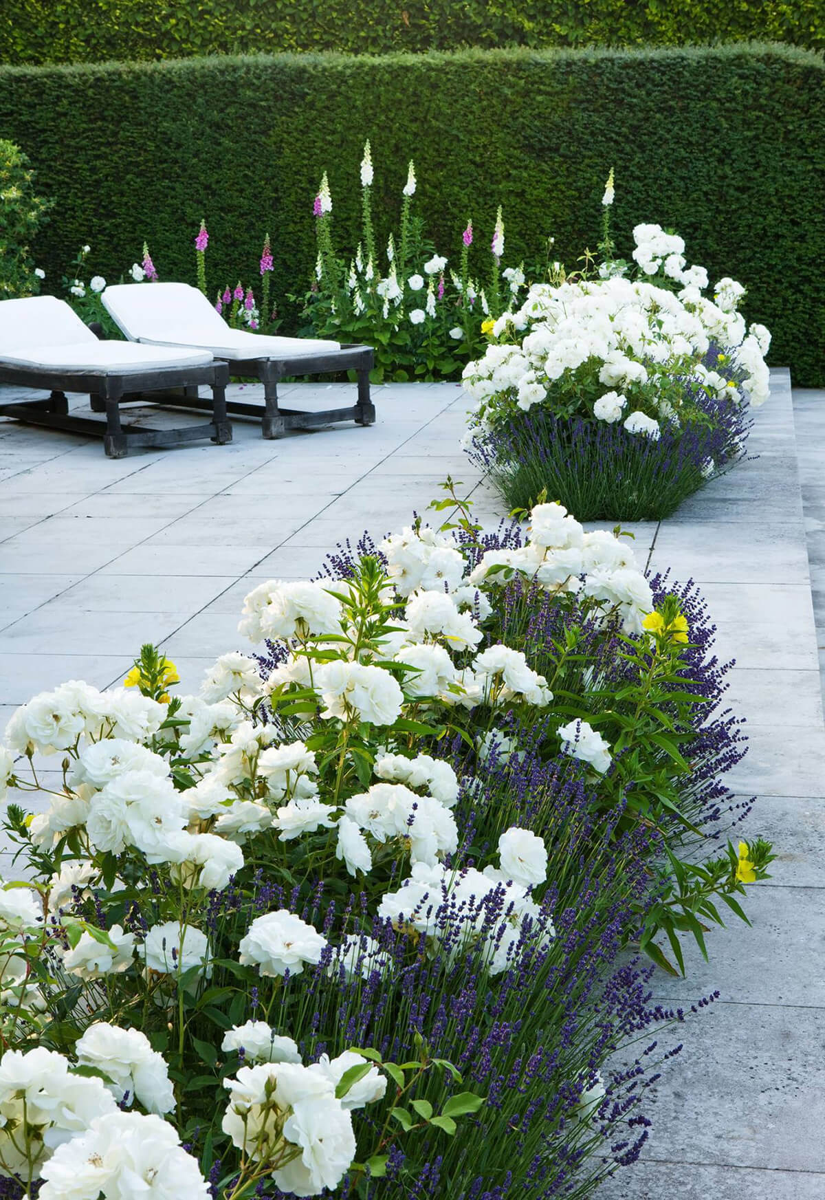 tile deck with built in flower beds - Pictures Of Flower Bed Ideas