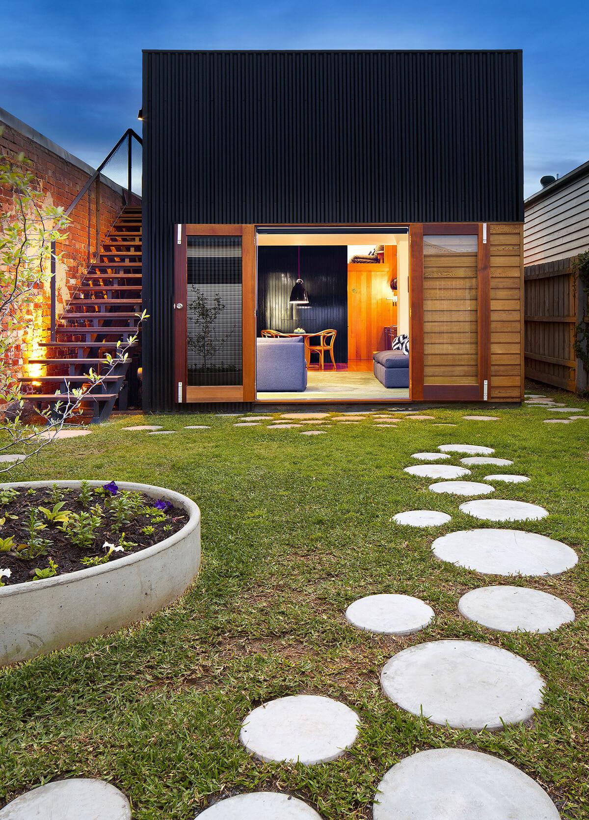 Scandinavian-inspired Stone Circle Simplicity