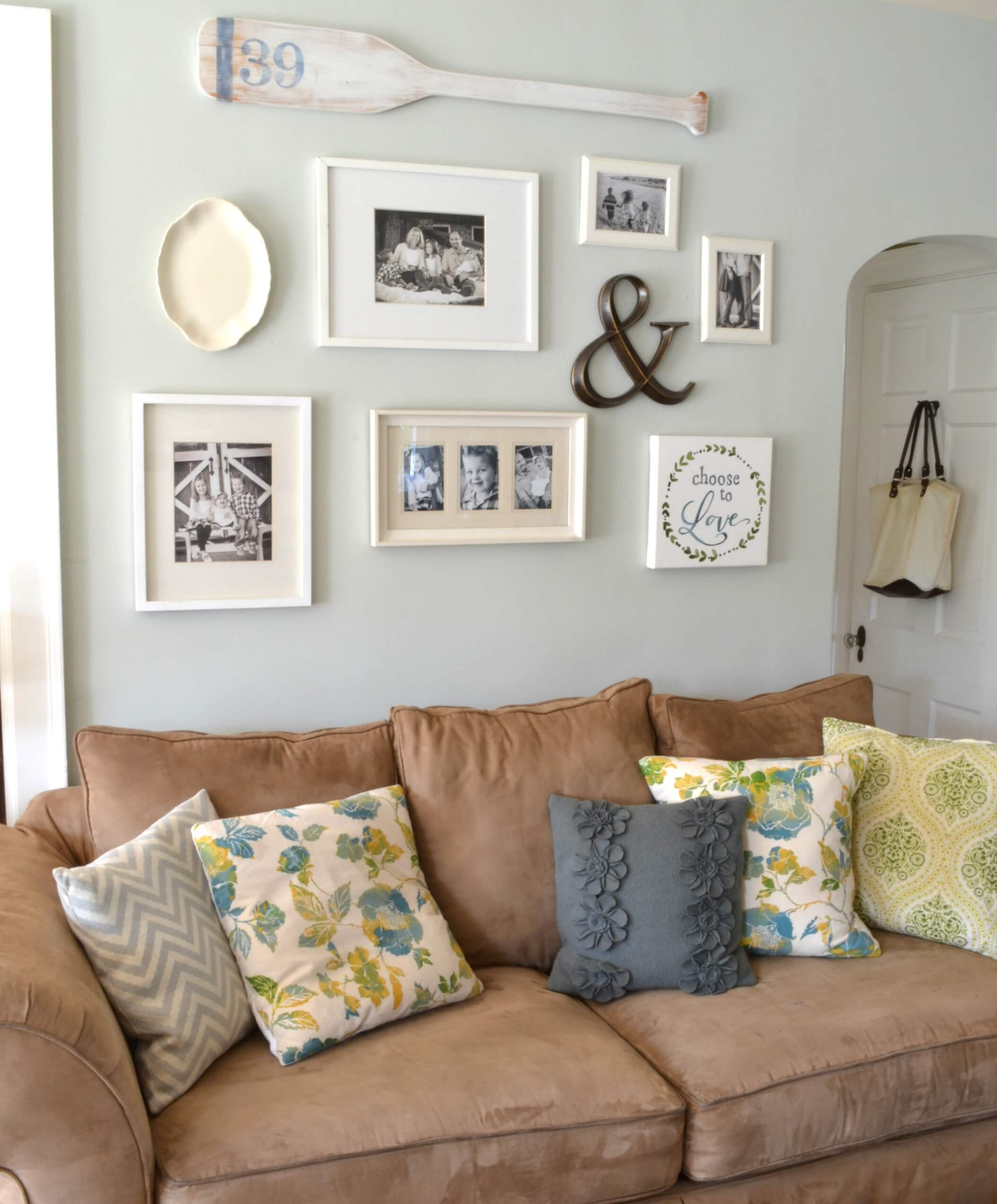 Wall Decorating Ideas: 20 Lovely Decor Ideas For Adding Impact Above The Sofa