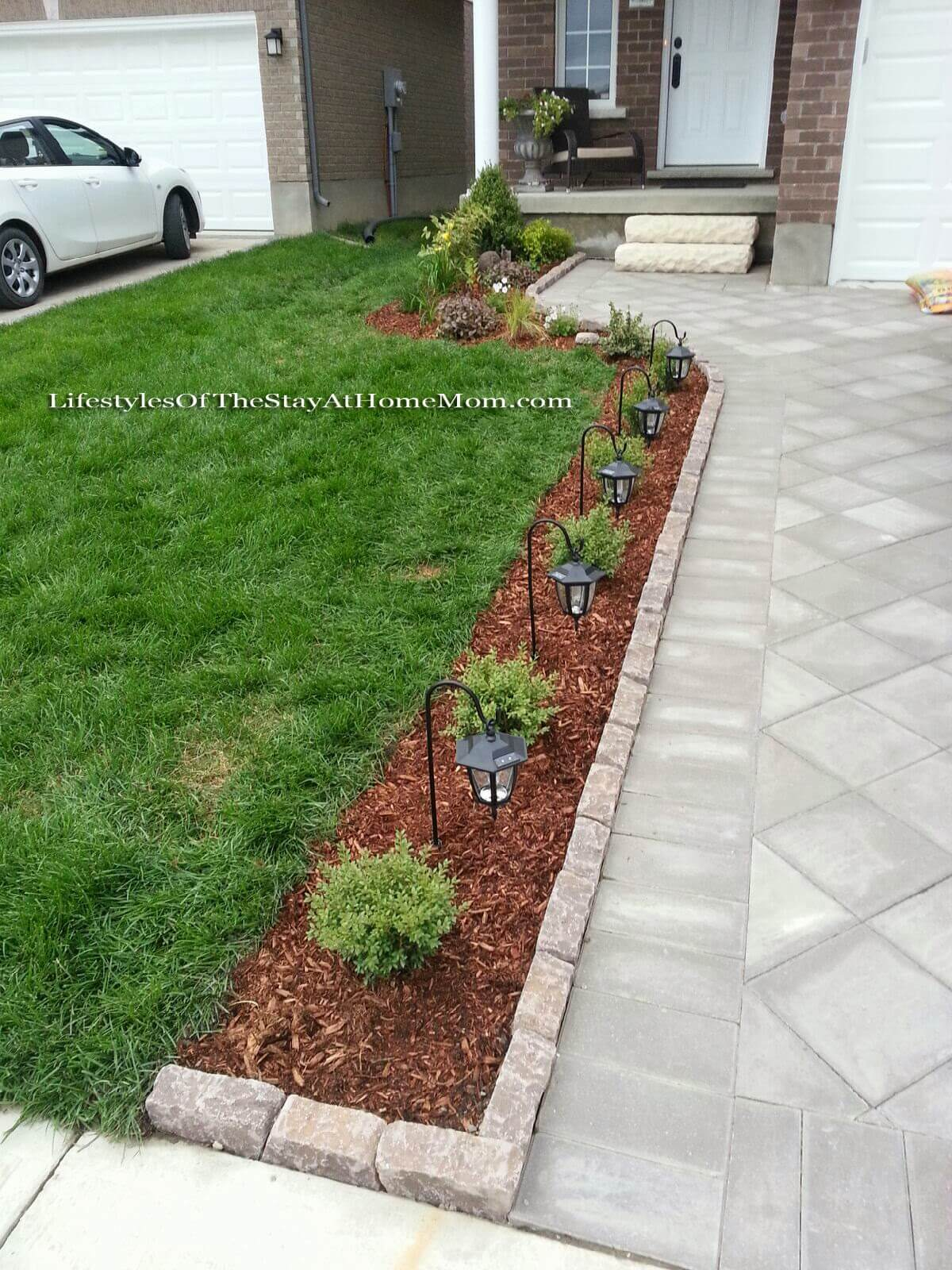 50 Best Front Yard Landscaping Ideas and Garden Designs ... on Front Yard And Backyard Landscaping Ideas id=15760