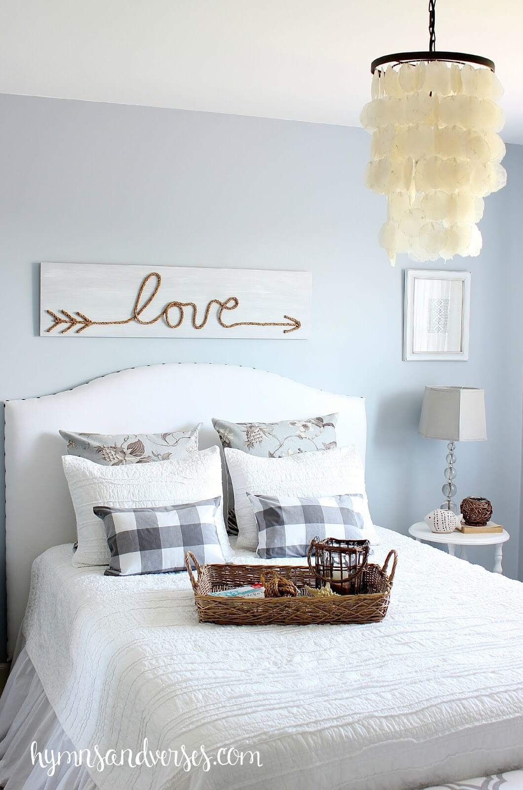 Rope and Wood Love Pallet
