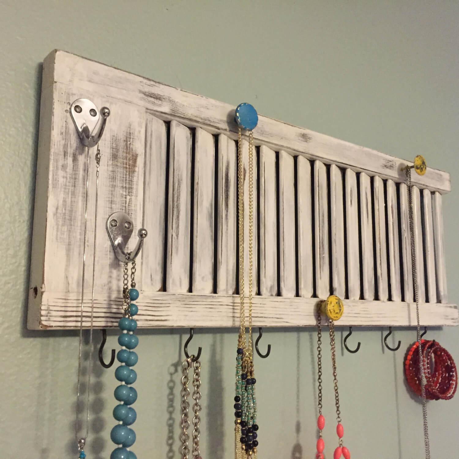 DIY Window Shutter Jewelery Organizer