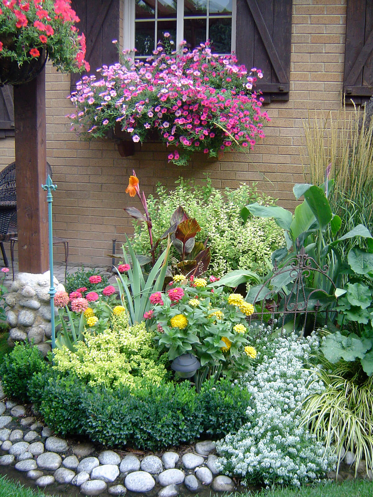 Pretty River Rock Flower Bed