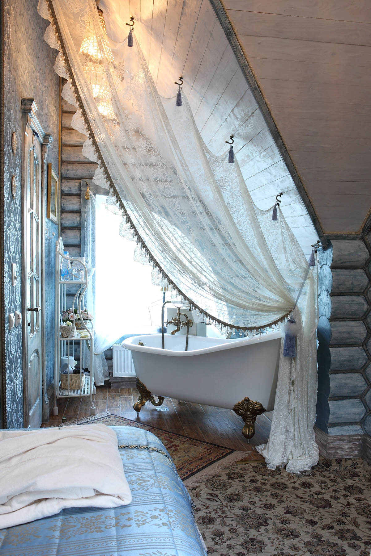 Dramatic Lace Bath Tub Privacy Curtain