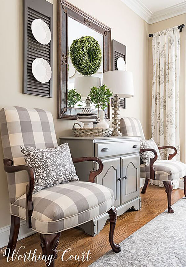 Charming and Decorative Plate Display