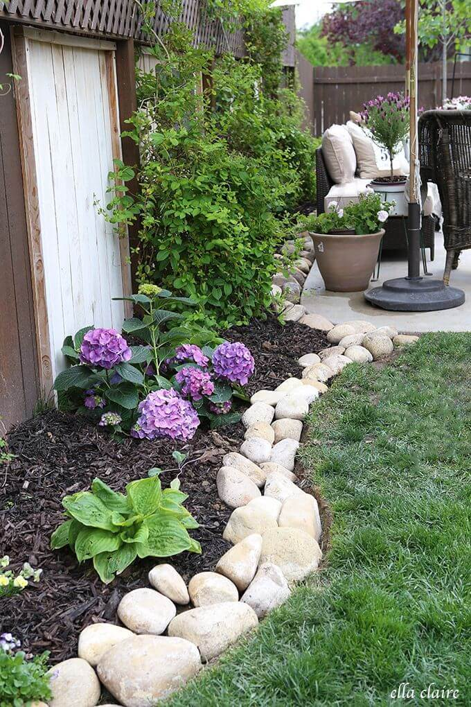 Super Simple Rock Flower Bed DIY Project
