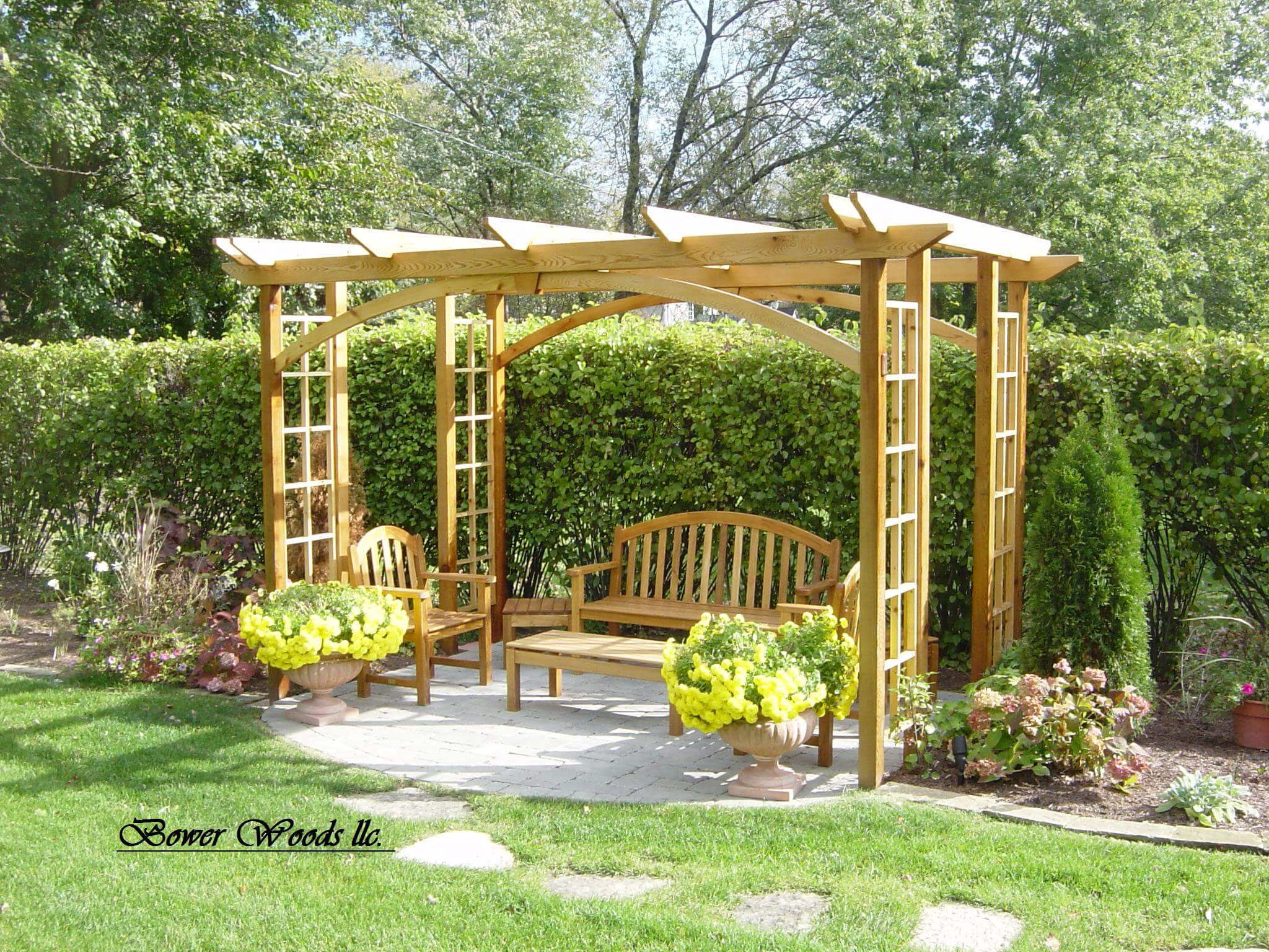 Outdoor Decor: 20 Lovely Pergola Ideas