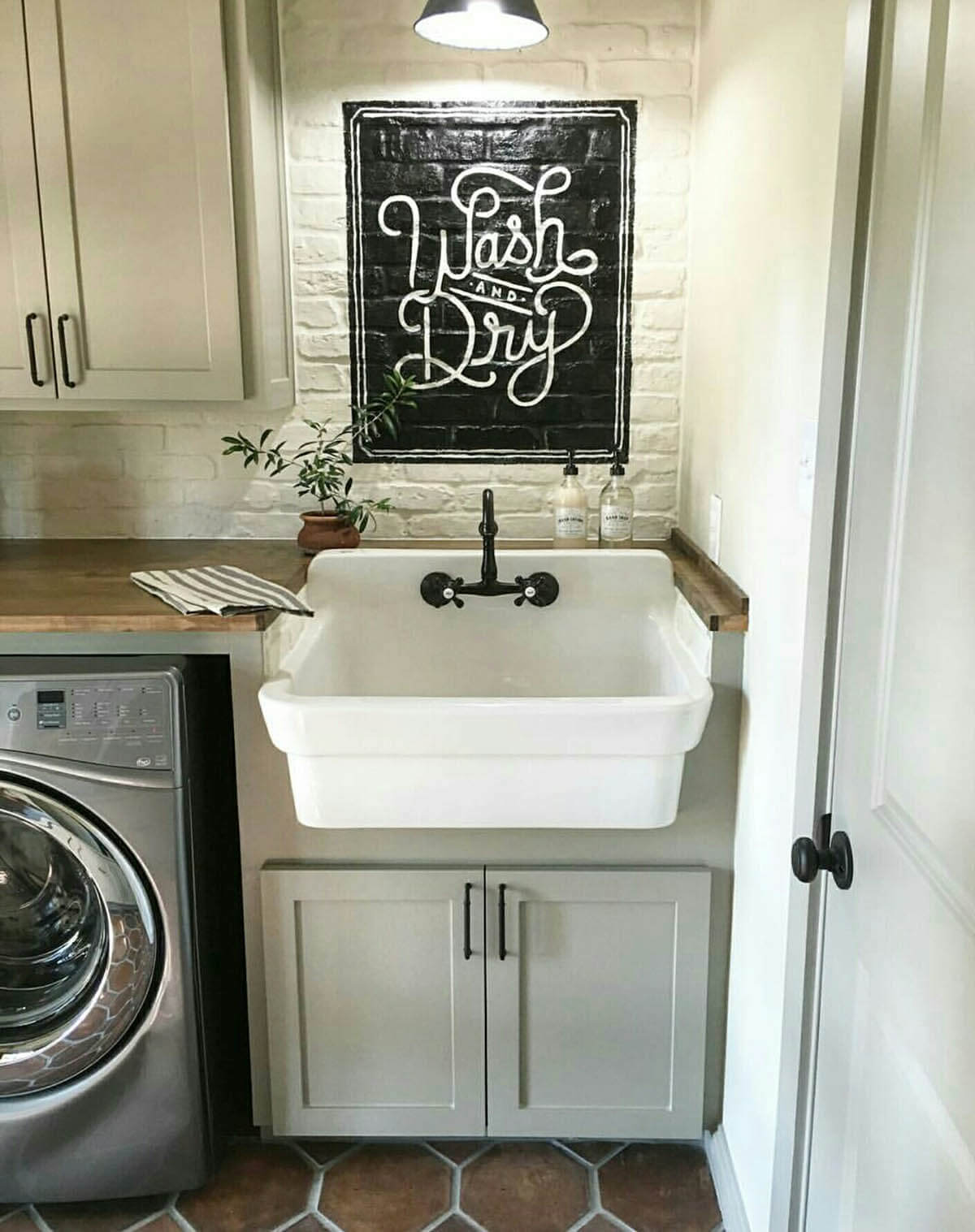 Farmhouse Sink Plus U201cWash And Dryu201d Sign