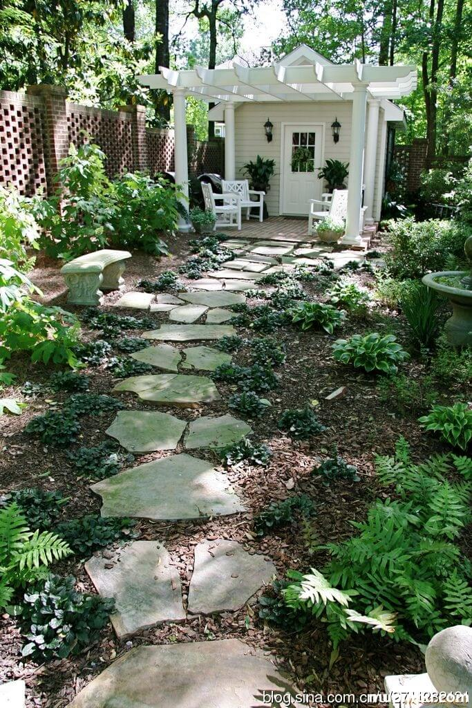 22. Natural Flagstone For A Classic Look