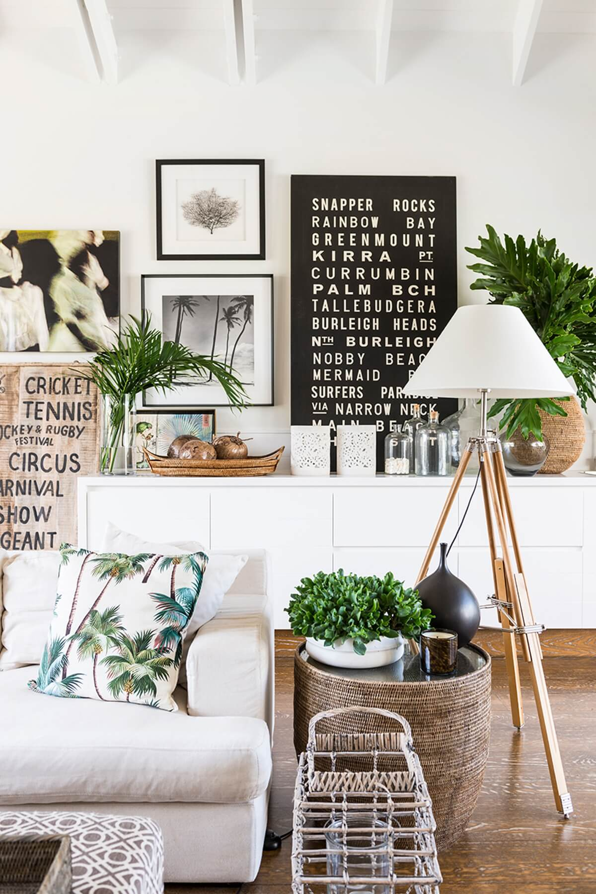 Venice Beach House Free Form Picture Display — Homebnc
