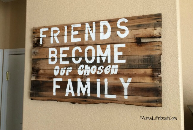 DIY Friends Quote Wood Pallet Project