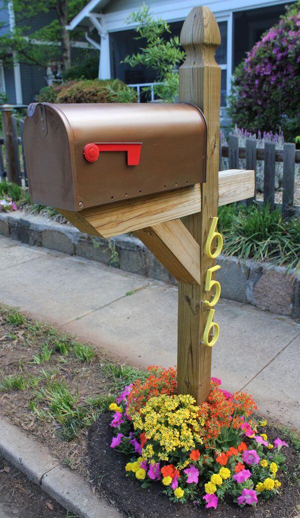 Mini Mailbox Flower Bed
