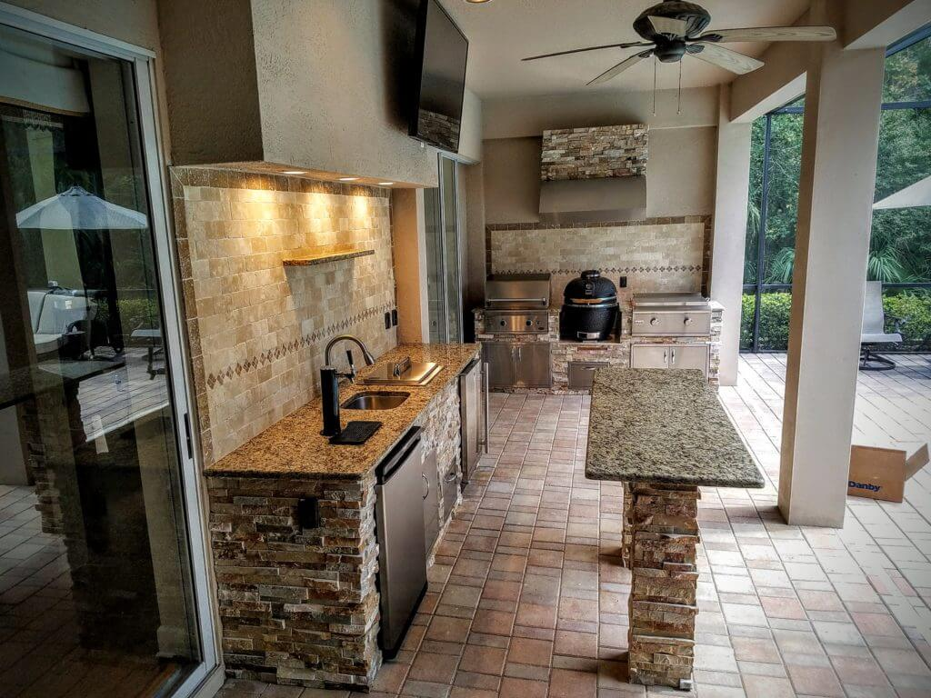 Superieur Full Patio Kitchen With Island