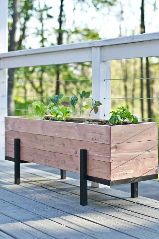 32 Best DIY Pallet And Wood Planter Box Ideas Designs