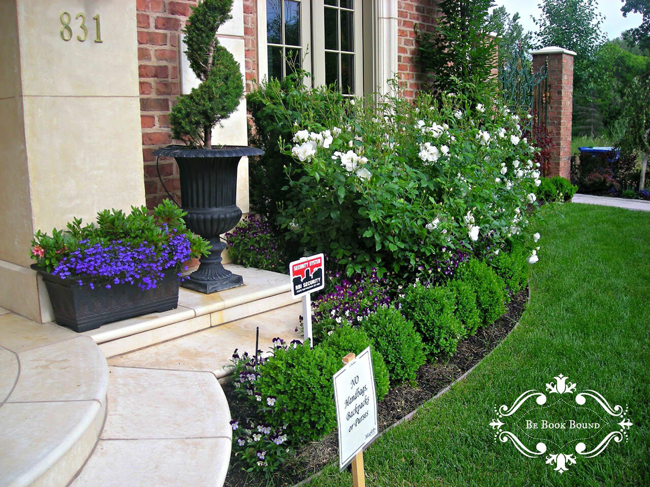 50 Best Front Yard Landscaping Ideas and Garden Designs ... on Small Yard Landscaping Ideas id=51401