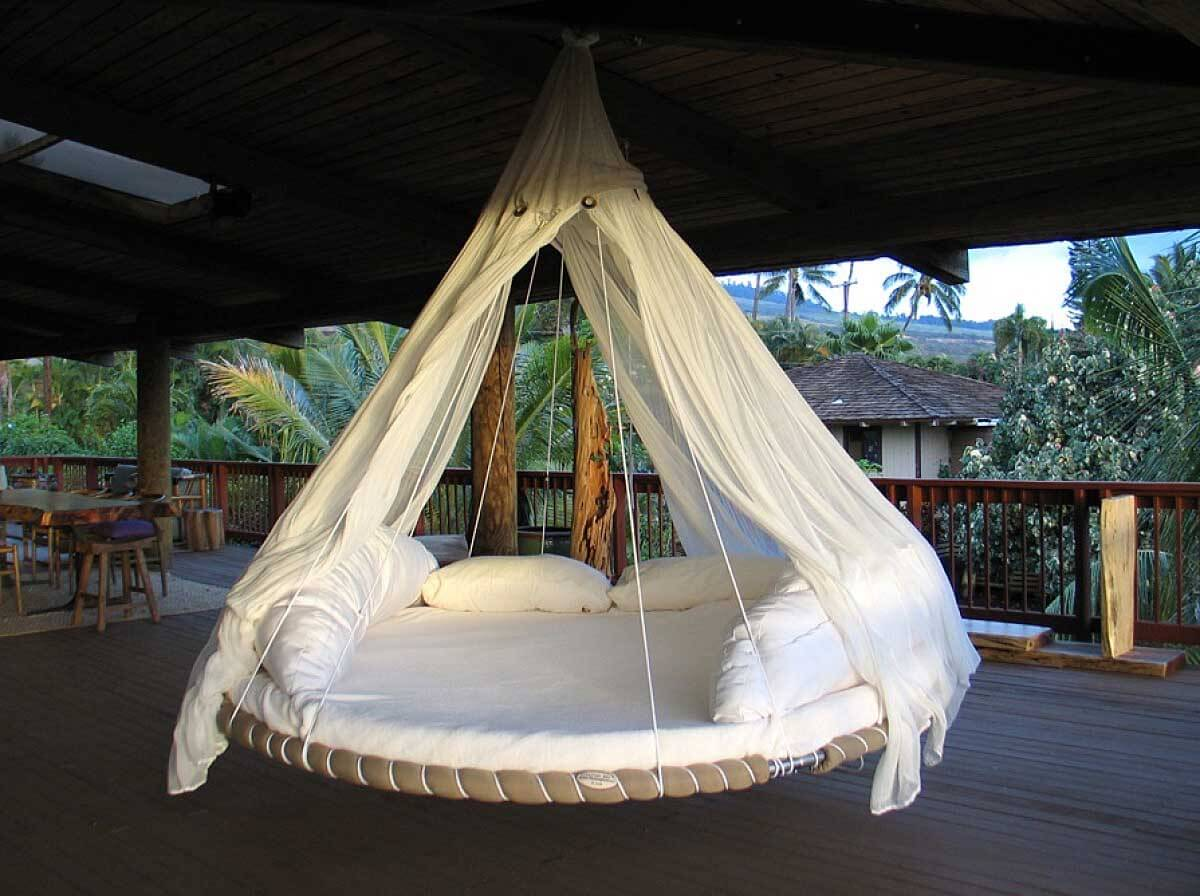 Free-Swinging Seashell Style Porch Swing - 21 Best DIY Porch Swing Bed Ideas And Designs For 2017