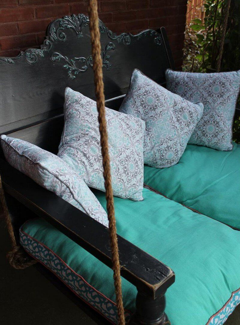 13 Dreamy DIY Porch Swing Bed Ideas
